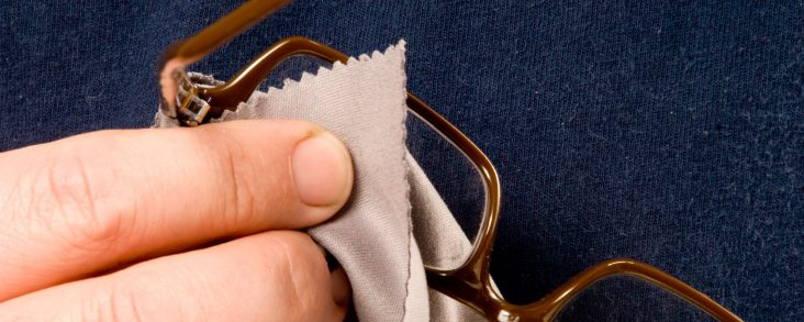 How to Clean Your Eyeglasses